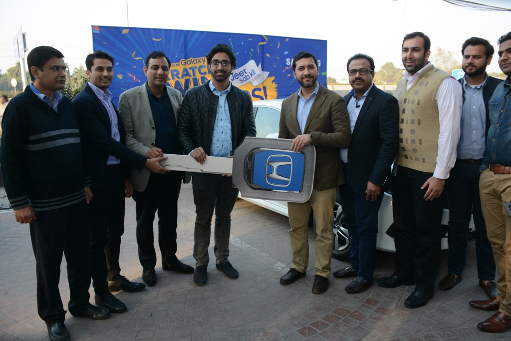 Samsung gives Honda Civic to winner of prize offer on J-Series Mobile phones