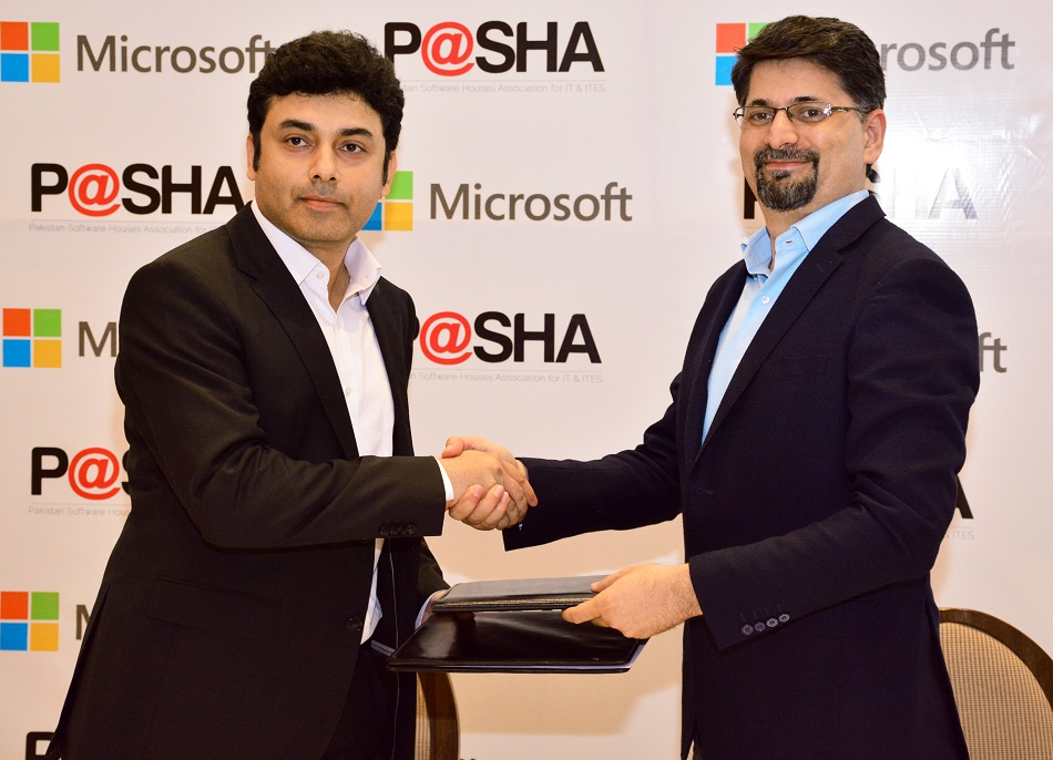 Microsoft Pakistan and P@SHA sign partnership for cloud based trainings