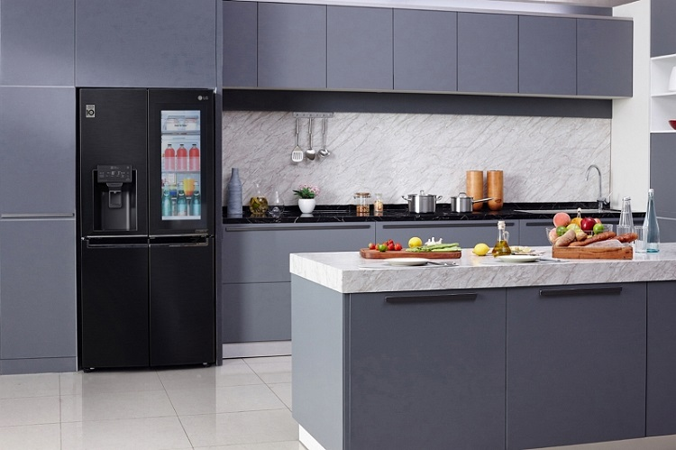 LG Electronics Slimmed-Down Refrigerators Shed Inches, Put More Weight on Food Freshness