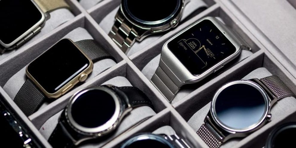 How Smartwatches Can Help You Lead a More Productive Life